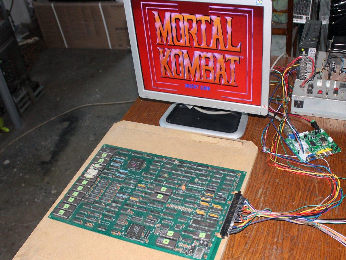 http://arcadius.esero.net/Arcade/Games/Jamma_Fully_Working/Mortal_Kombat_04.jpg