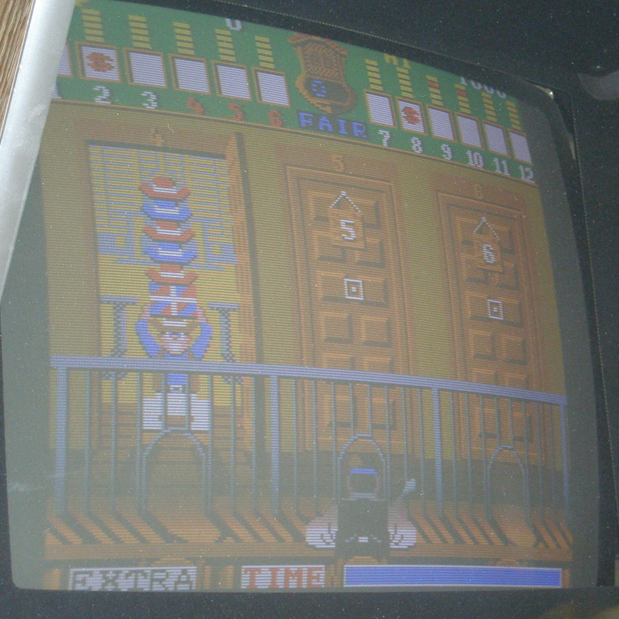 http://arcadius.esero.net/Arcade/Games/Non_Jamma_Fully_Working/Bank_Panic_06.jpg