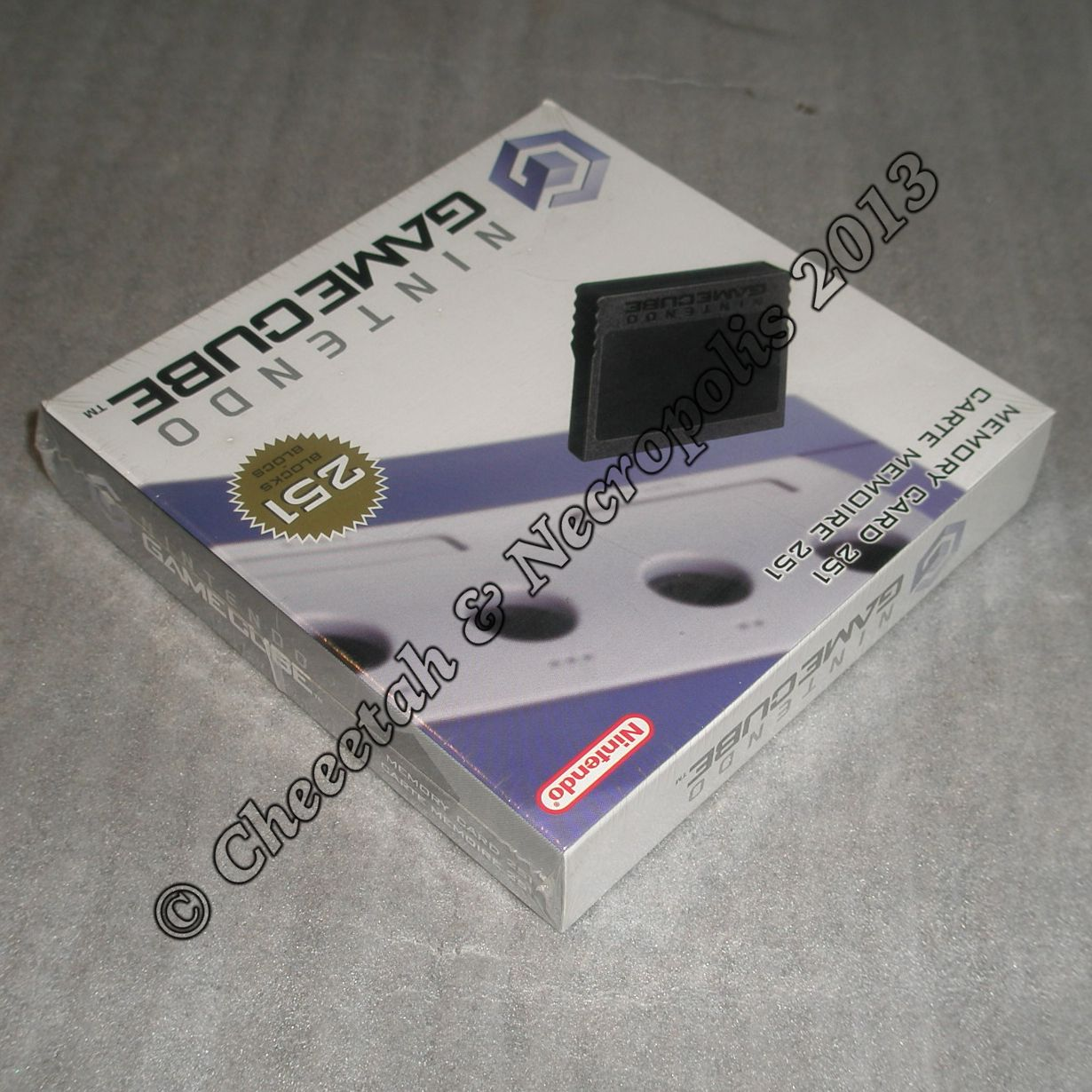http://arcadius.esero.net/Console/Nintendo/Game_Cube/Memory_Card_251_Blocks_03.jpg