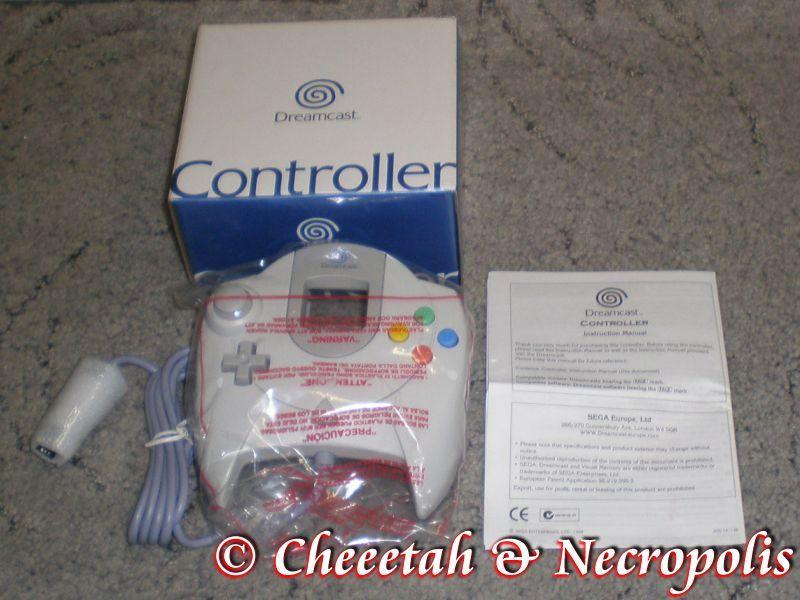 http://arcadius.esero.net/Console/Sega/Dreamcast/Dreamcast_Controller_05.jpg